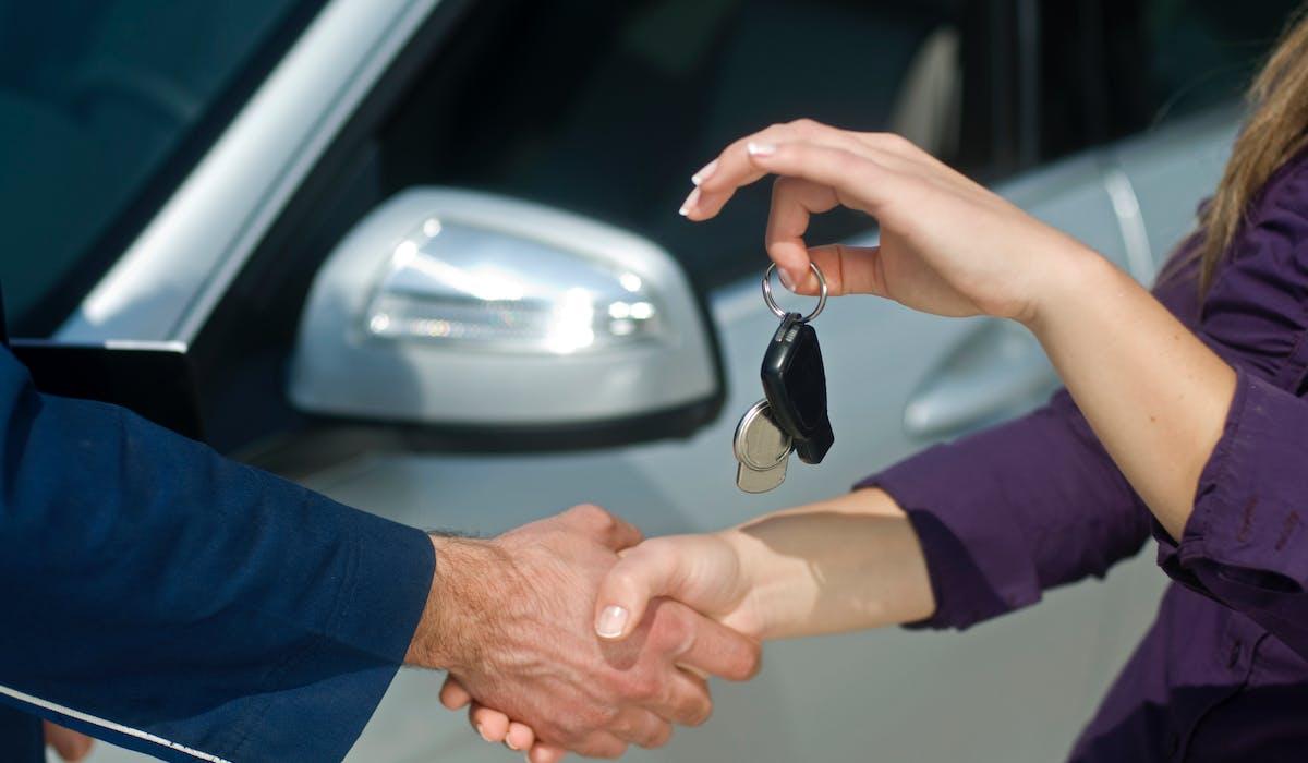 Les prix des voitures d'occasion découlent de leurs tarifs en neuf et, surtout, de l'offre et de la demande.