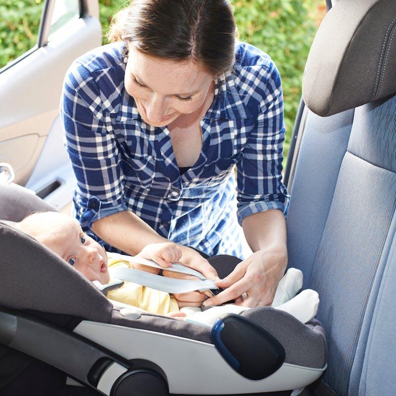 Siège auto pour bébé : bien le choisir, bien l'installer