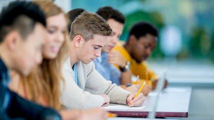 Lycéens de terminale et étudiants: vous avez jusqu'au 31 mai pour demander la bourse du Crous