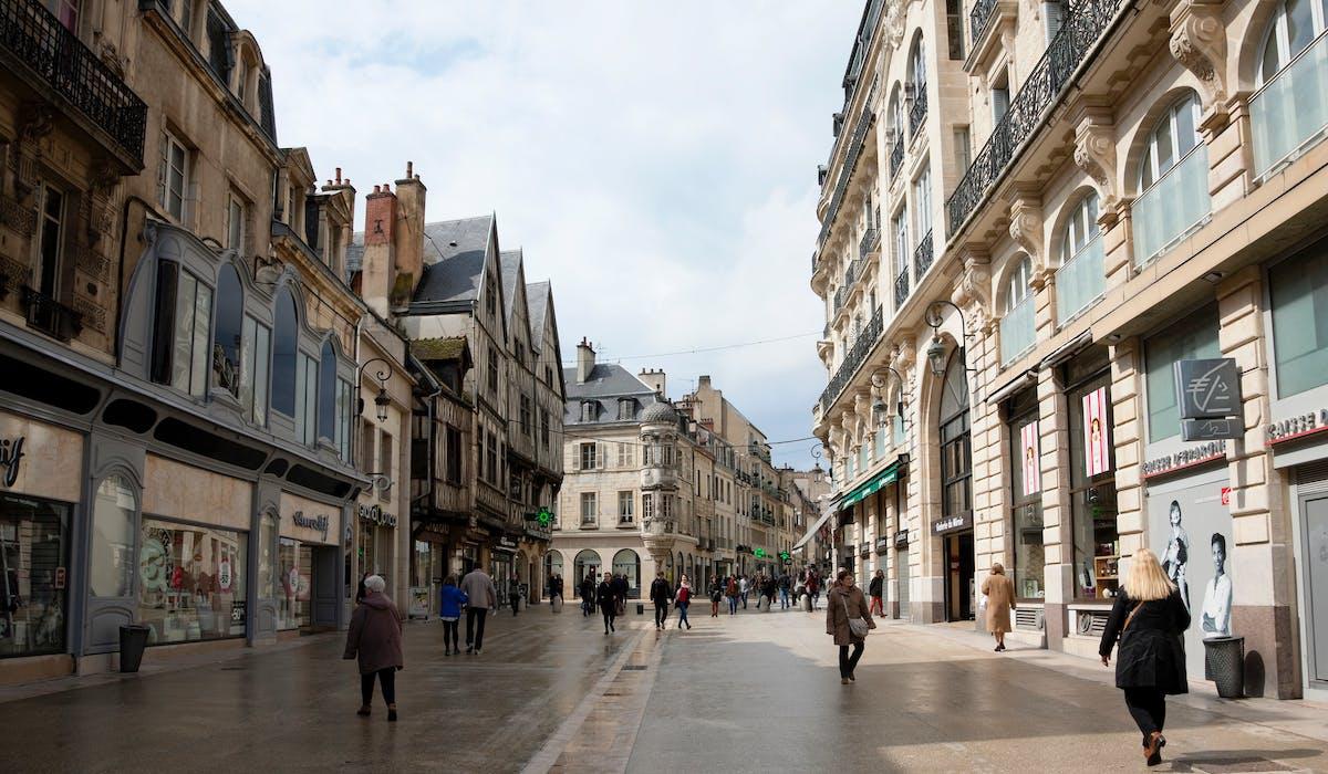 Rue de la Liberté, à Dijon.