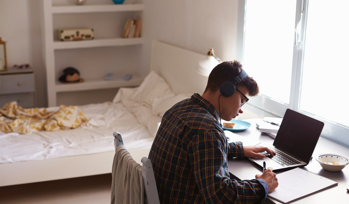 Les étudiants font état d'un budget moyen de 583 € par mois consacré au logement, d'après le site Locservice.
