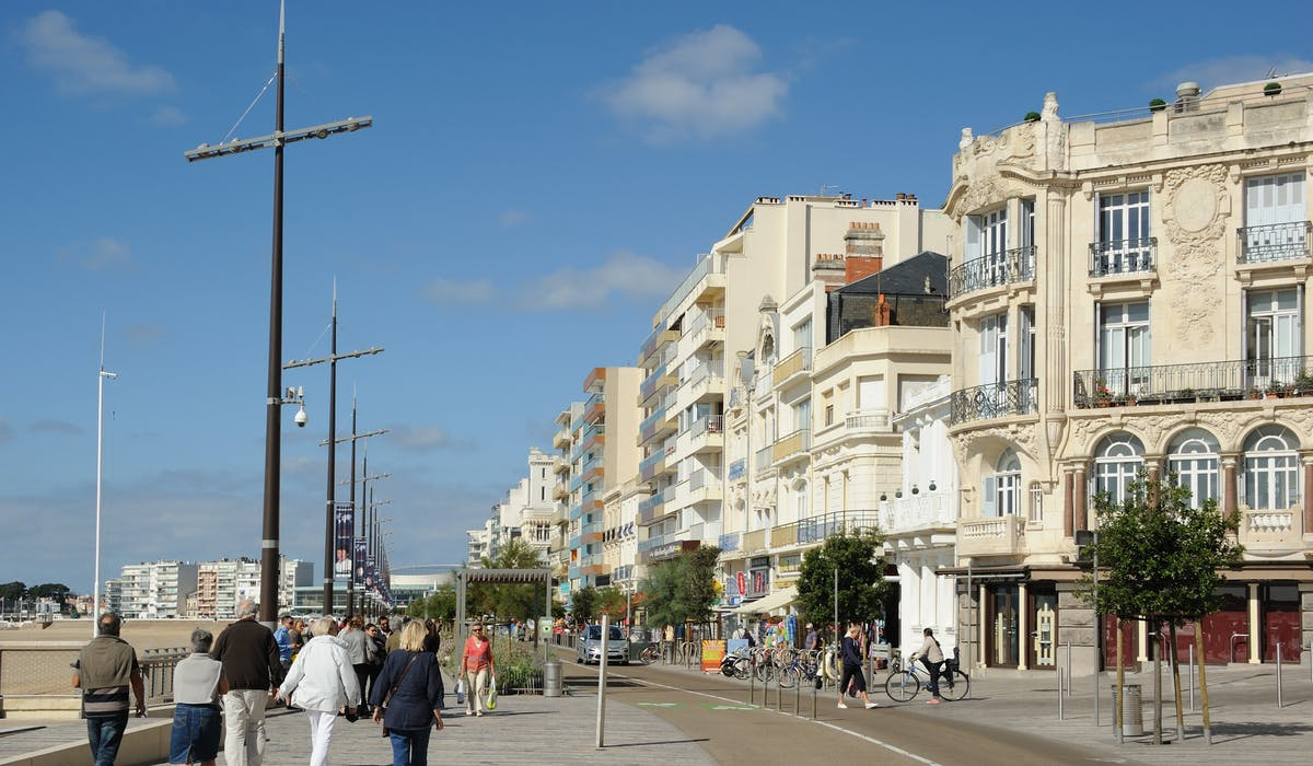 En 2015, le taux moyen de la taxe foncière atteignait 32,35 % en Vendée, département dont Les Sables-d'Olonne est la sous-préfecture.