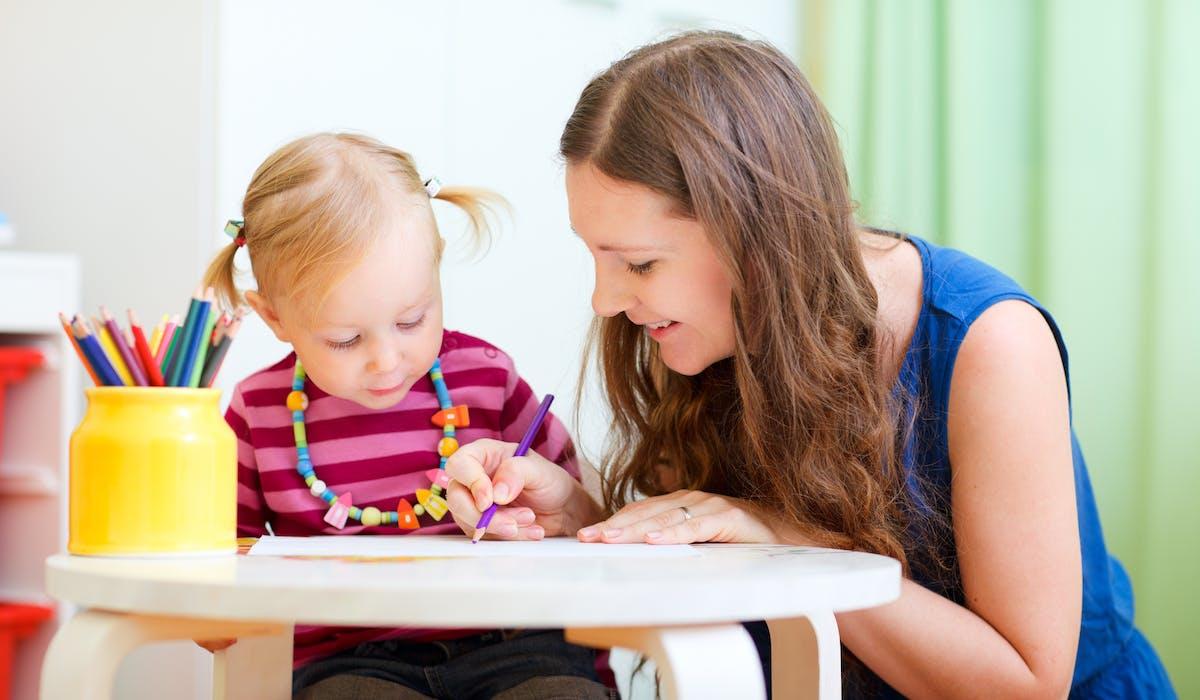 Difficile pour des parents inexpérimentés de choisir le bon mode de garde pour sa future progéniture.