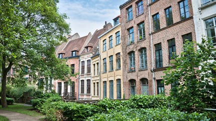 À Paris et à Lille, les loyers excessifs font de la résistance