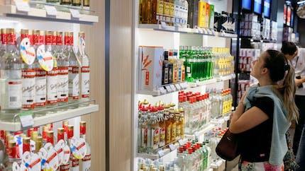 Cigarettes, alcool, argent liquide : comment passer la douane en toute tranquillité ?