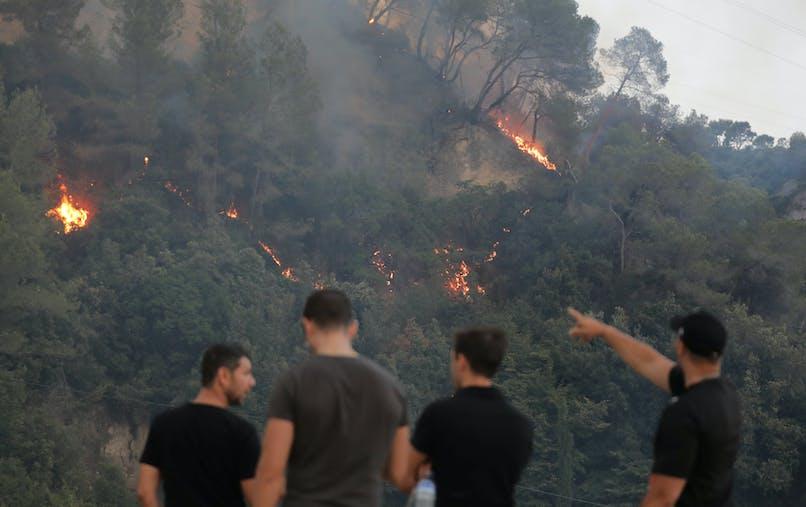 Lundi, un virulent incendie s'est déclaré à Castagniers, à une quinzaine de kilomètres de Nice.
