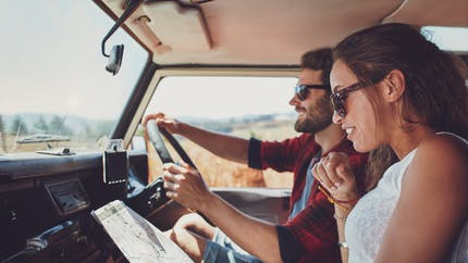 Conduire à l'étranger : le permis de conduire français suffit-il ?