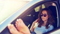 Conduire pieds nusou en tongs: est-ce légal ou pas?