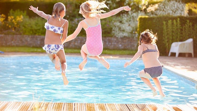 Barrière de sécurité, alarme… les solutions pour sécuriser votre piscine privée
