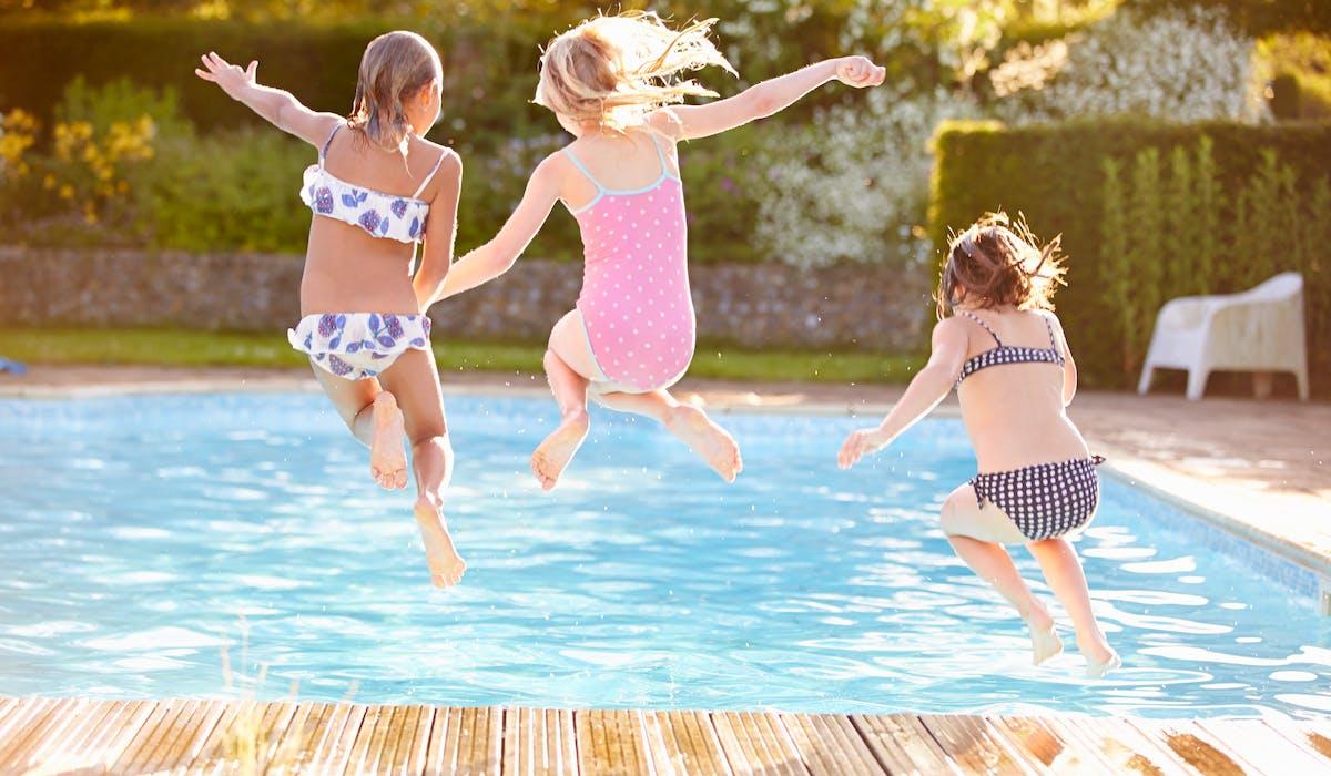 Pour sécuriser votre piscine et protéger les enfants, vous avez le choix entre quatre dispositifs de sécurité.