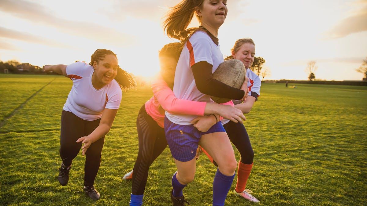 Pour la pratique du rugby à XV et à VII, vous devez subir un électrocardiogramme de repos lors la première délivrance de licence à partir de l'âge de 12 ans.