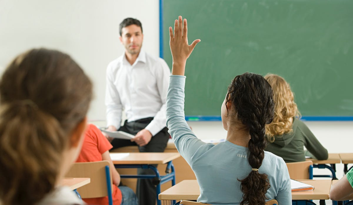 Pour percevoir l'ARS, il faut avoir au moins un enfant scolarisé à charge, âgé de 6 à 18 ans.