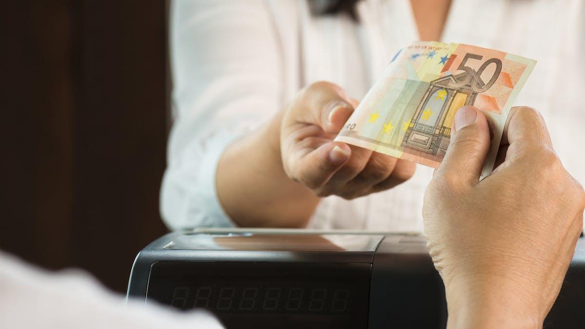 Vous pourrez retirer jusqu'à 60 euros.