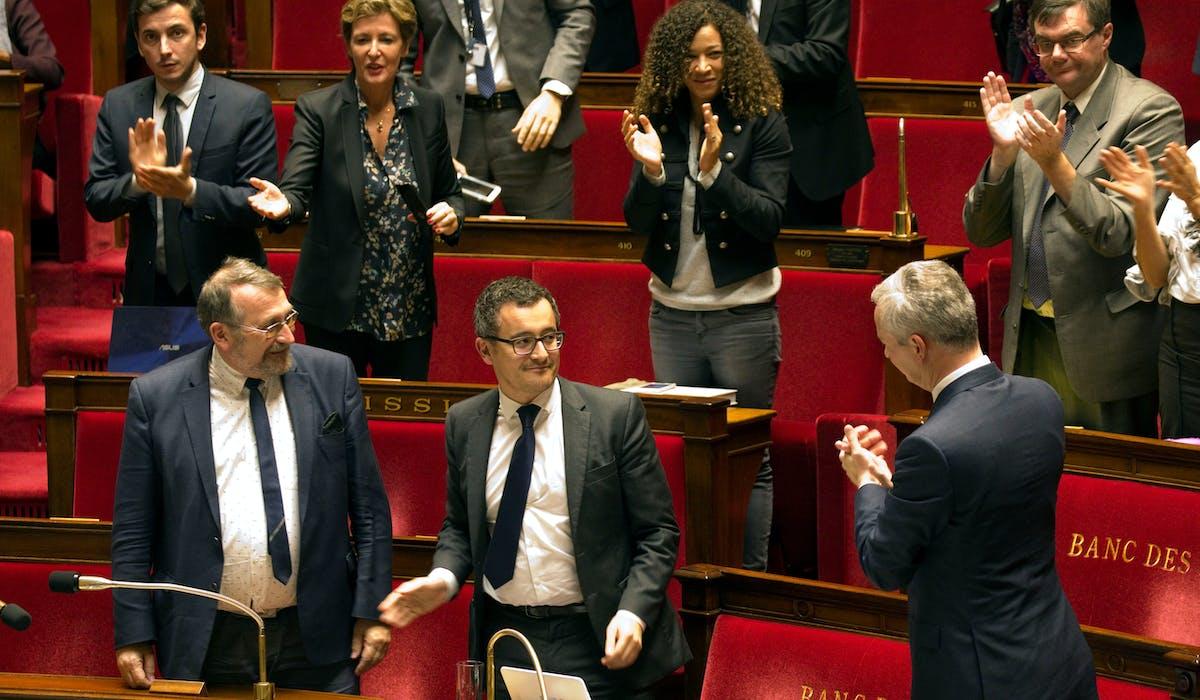 Gérald Darmanin, ministre de l'Action et des comptes publics, et Bruno Le Maire, ministre de l'Economie et des finances (de profil), après le vote des députés.