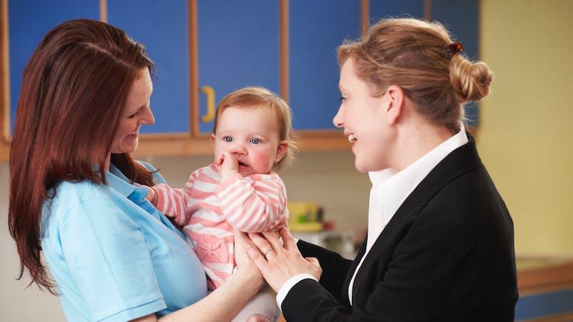 Entretien d'embauche, formation, rendez-vous Pôle emploi : trouvez une solution de garde d'enfant facilement