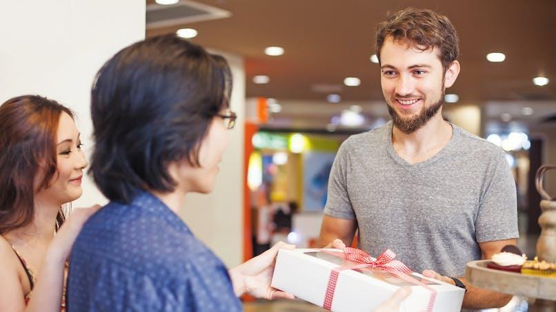 Emploi : plus de 35 000 offres de jobs saisonniers à saisir pour Noël