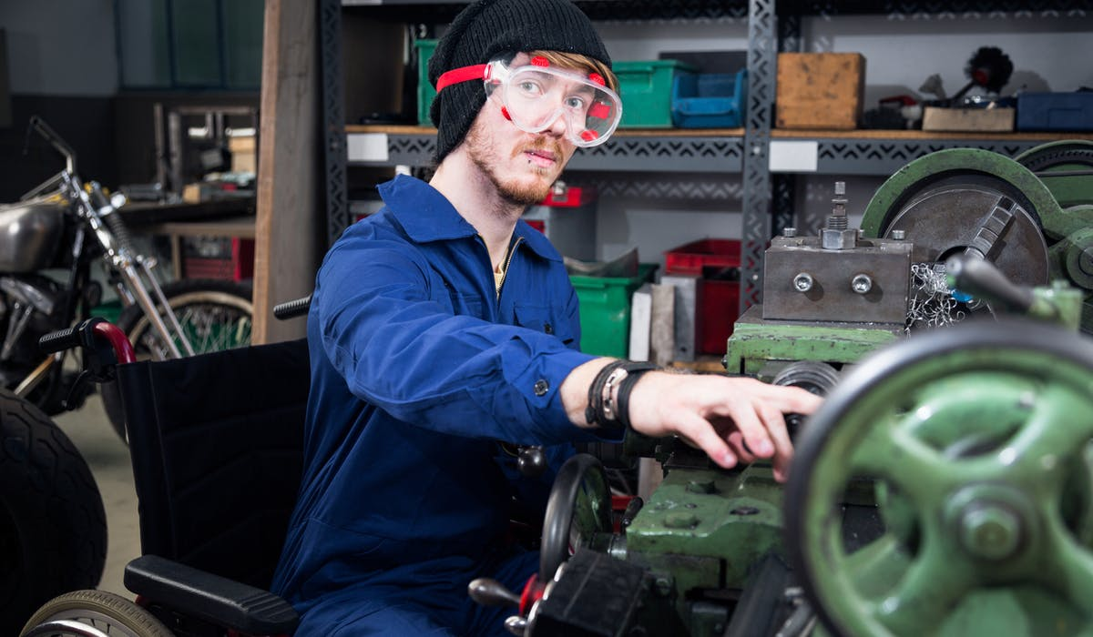 34 % des 15-24 ans en situation de handicap sont au chômage.