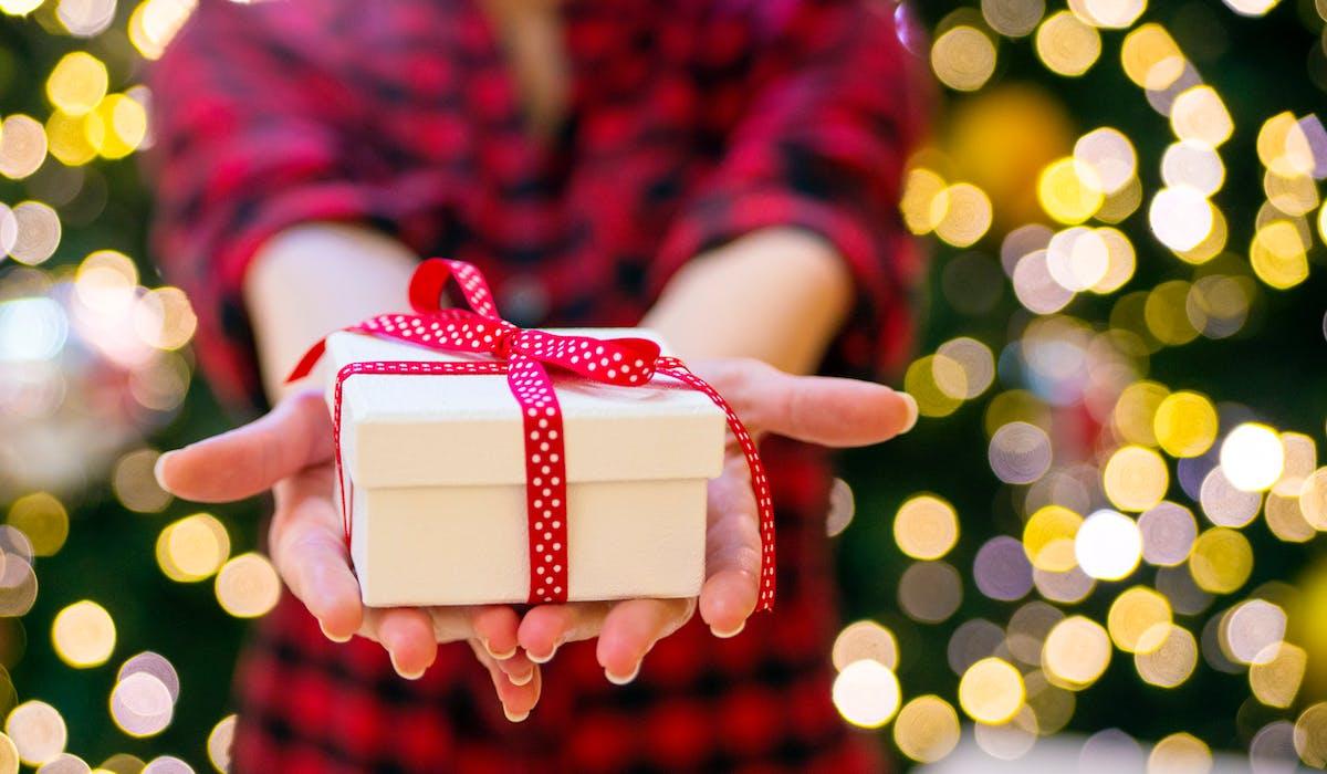 Donner son cadeau de Noël à une association, un acte généreux qui fera des heureux.