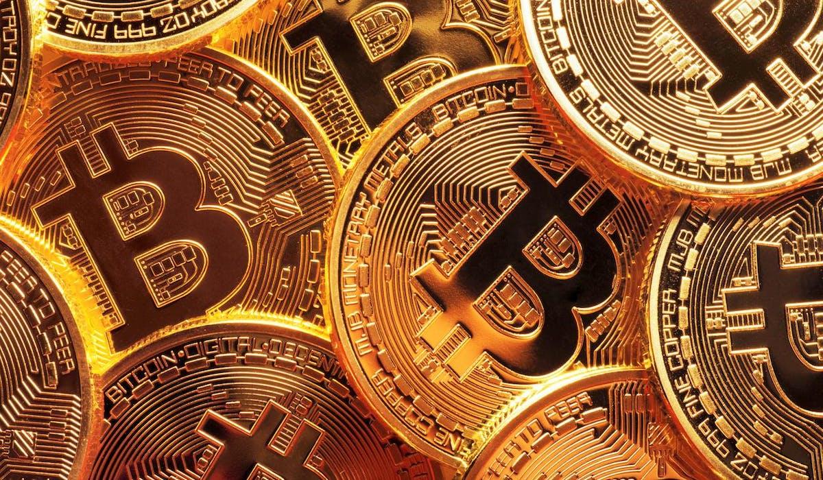 Le cours du bitcoin s'élevait à 998 dollars le 1er janvier 2017.