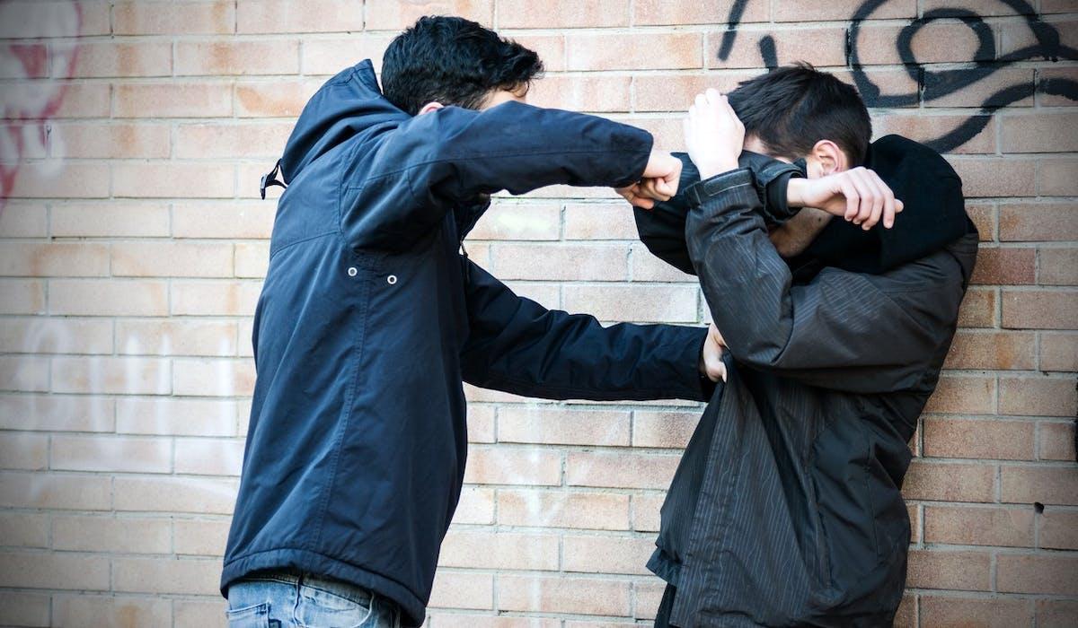 Apparu en France en 2006, le happy slapping est sévèrement puni.