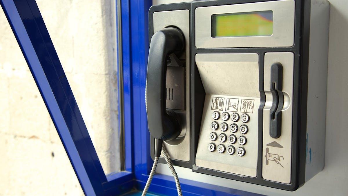 La France ne comptera plus que 350 cabines téléphoniques en 2018.