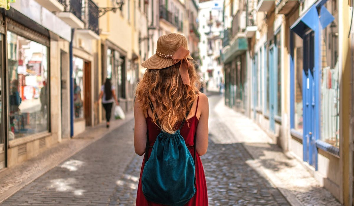 En réservant neuf mois à l'avance son billet d'avion pour Lisbonne, vous pouvez économiser jusqu'à 28 % par rapport au mois le plus cher.
