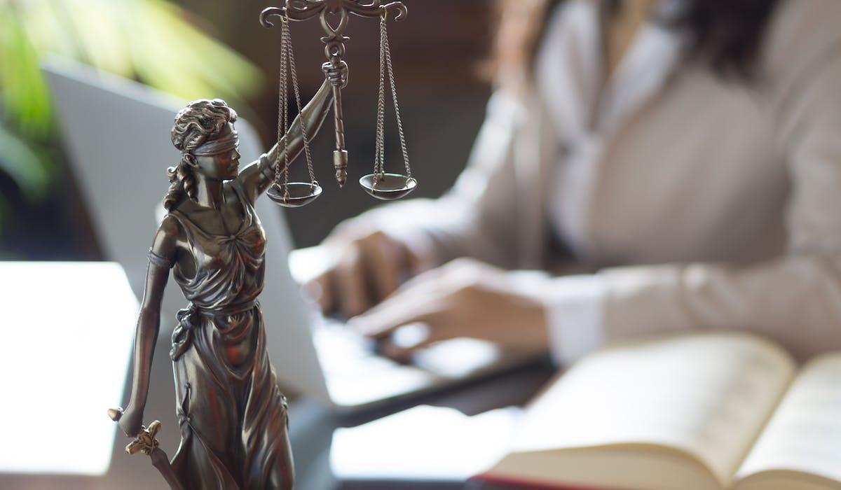 Il existe beaucoup de services ou d'associations où trouver des renseignements juridiques gratuits ou presque.