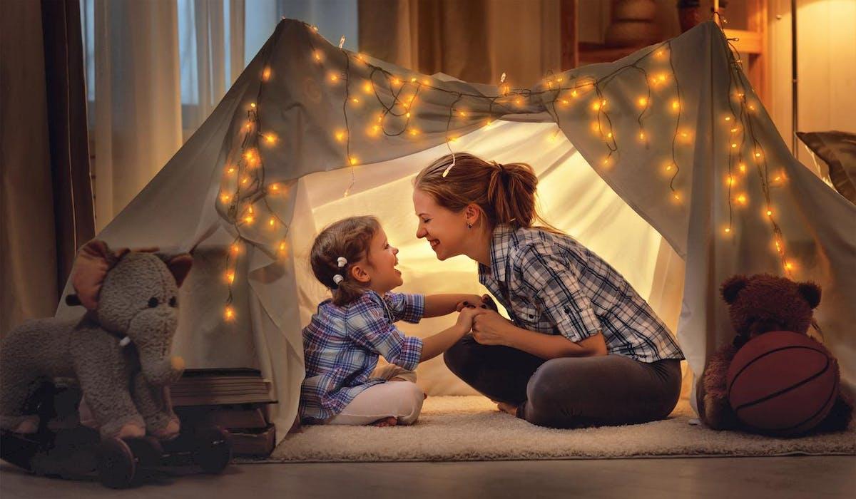Les parents isolés bénéficient d'aides supplémentaires pour élever leurs enfants.