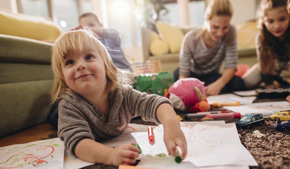 2,78 euros : c'est le salaire horaire minimum d'une assistante maternelle pour un enfant gardé.