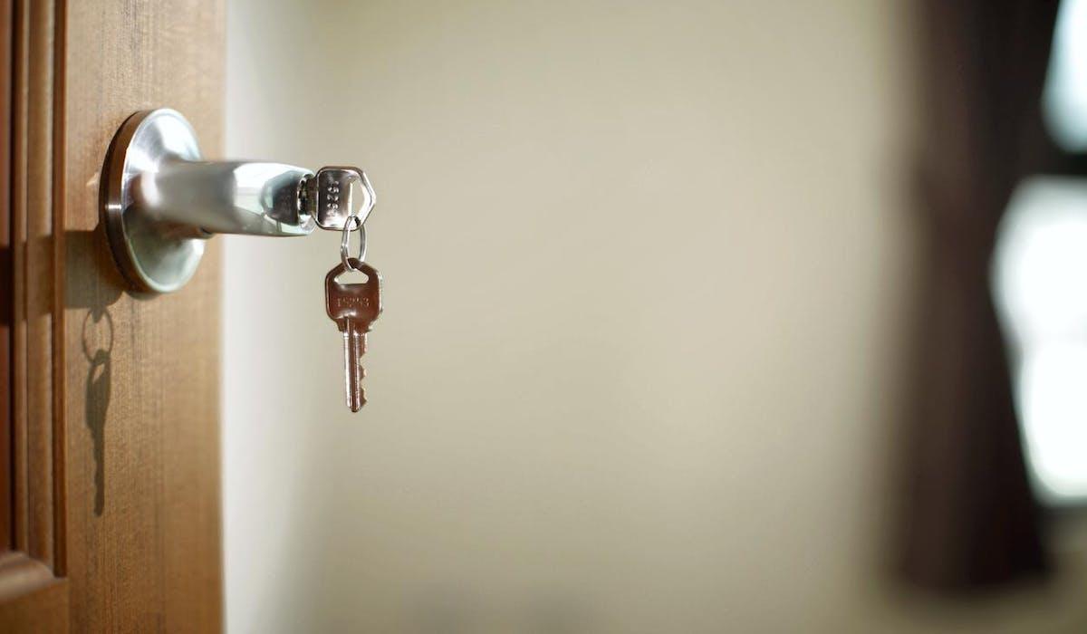 Prêts immobiliers : les taux d'intérêt continuent de baisser