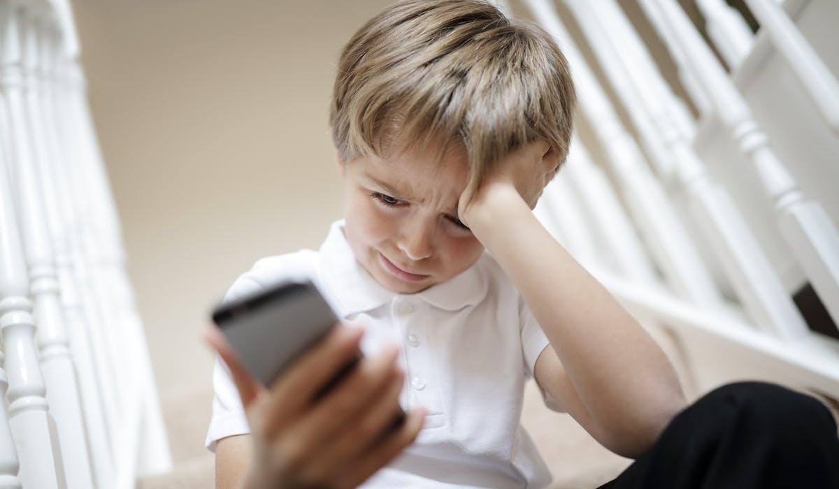 Les femmes et les jeunes sont les premières victimes du harcèlement en ligne.