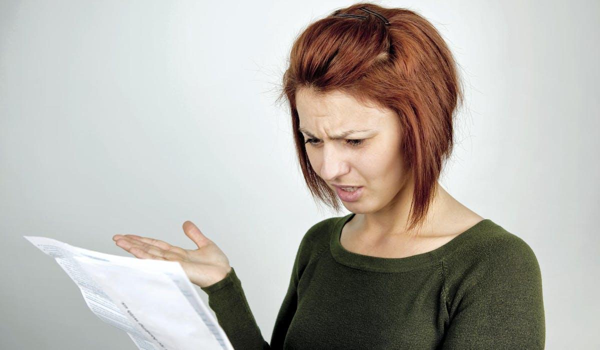 À la lecture d'une facture d'électricité anormalement élevée, vérifiez avant tout si le montant est basé sur une consommation estimée ou sur un relevé du distributeur.