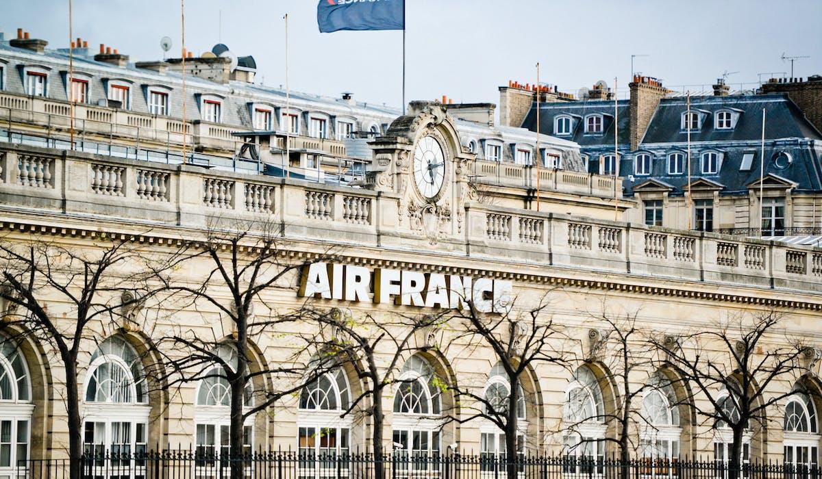 Grève Air France : que faire si votre vol est annulé ou retardé