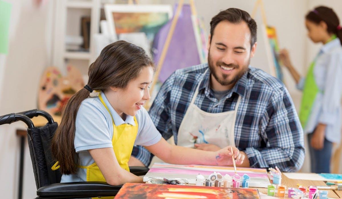 Les parents d'enfants handicapés sont invités à répondre à une enquête pour connaître leur avis sur l'accès aux centres de loisirs.