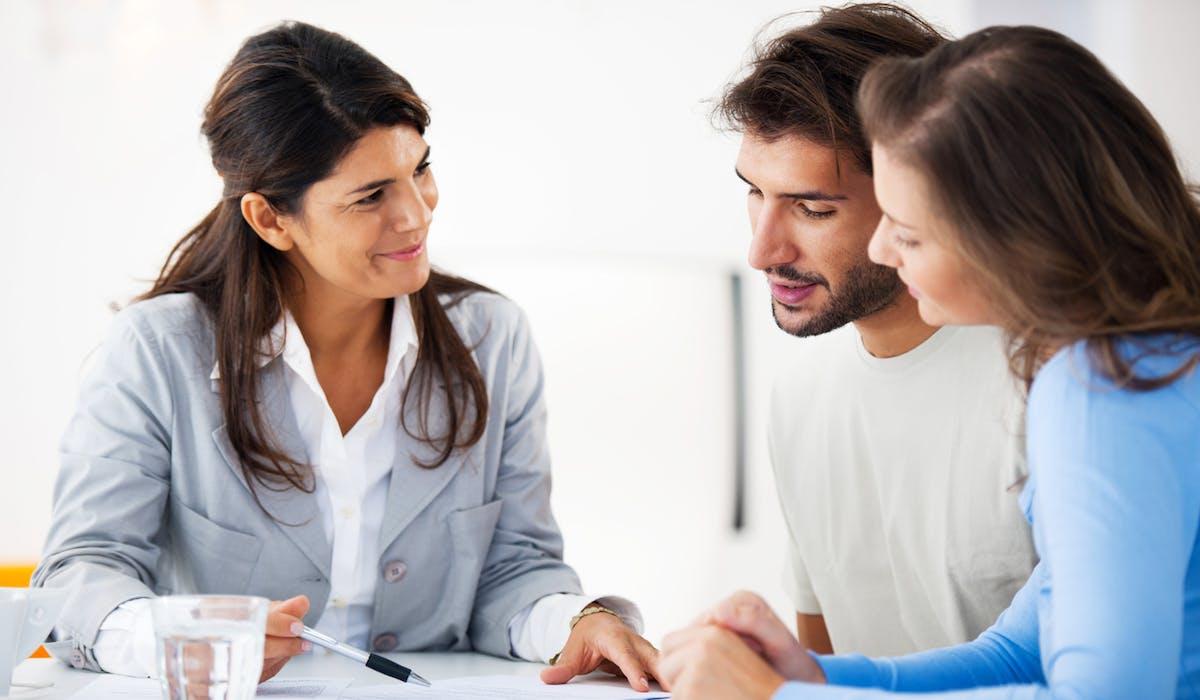 Des experts-comptables vous aident à remplir votre déclaration.