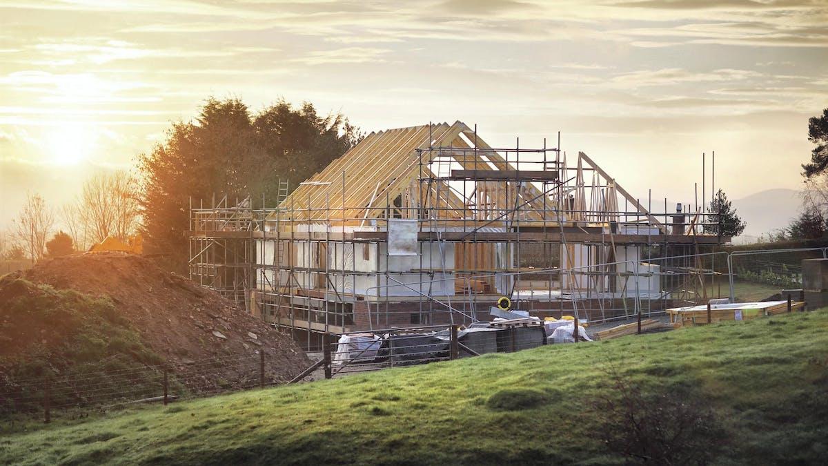 L'autoconstruction exige un à deux ans pour préparer le projet et un à trois ans pour la réalisation des travaux.