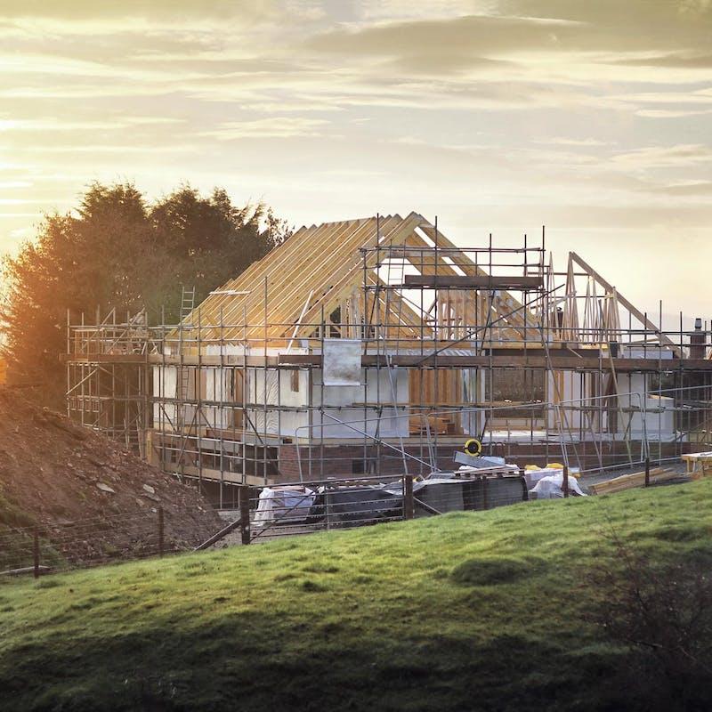 Construire soi-même sa maison: ce qu'il faut savoir avant de vous lancer