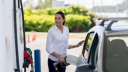 Hausse des carburants : les distributeurs et l'Etat mis en cause