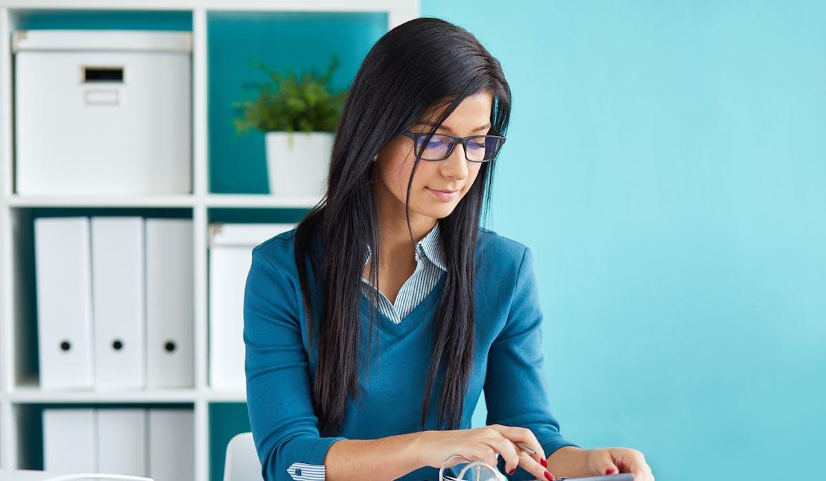Les travailleurs indépendants ont l'obligation de déclarer chaque année leurs revenus professionnels de l'année précédente.