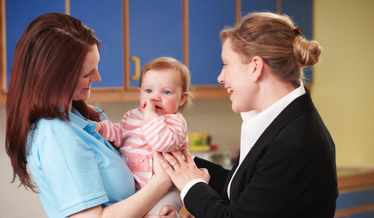 Le gouvernement va mettre en place un tiers payant pour la garde d'enfant par une assistante maternelle.