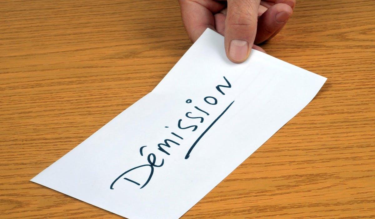 Le projet de loi pour la liberté de choisir son avenir professionnel impose des conditions strictes pour percevoir les allocations-chômage après une démission.