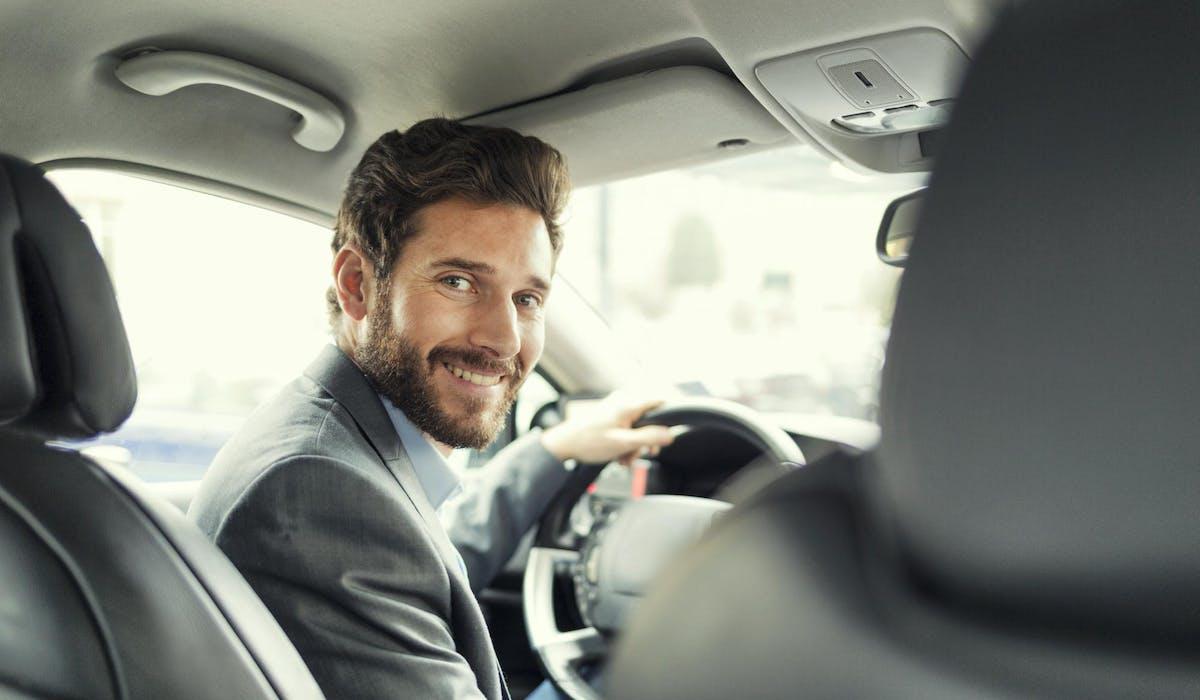 Le modèle économique des plateformes comme Uber repose sur la mise en relation de travailleurs, disposant d'un statut d'indépendant, avec des clients.