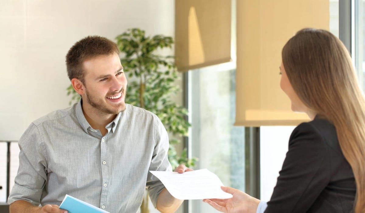 Diverses associations proposent aux chômeurs un accompagnement gratuit.