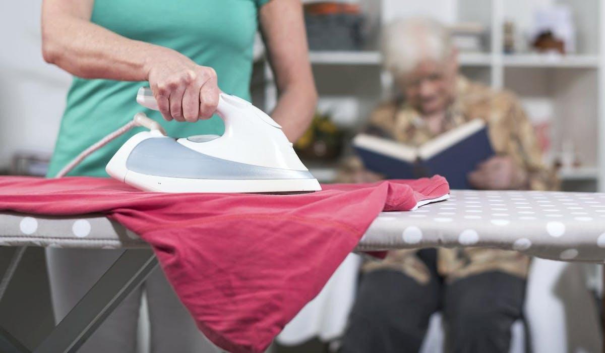L'allocation personnalisée d'autonomie aide les personnes âgées à vivre chez elles.