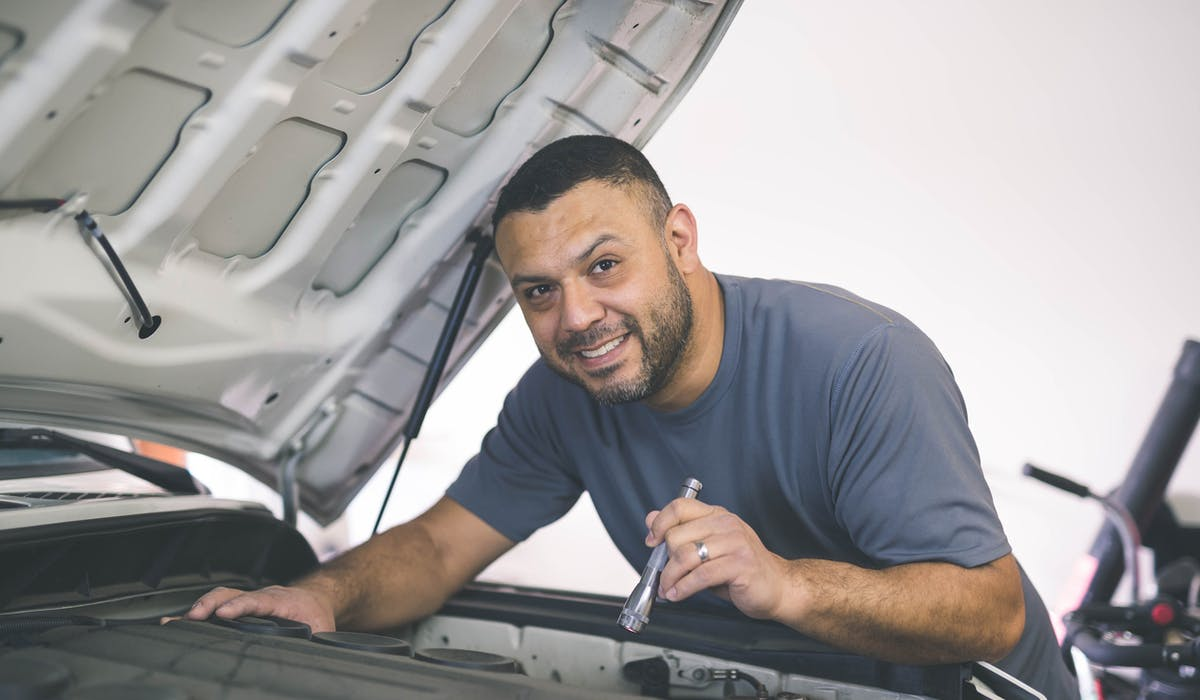 La loi Badinter s'applique en cas d'accident lors d'une réparation sur une voiture.
