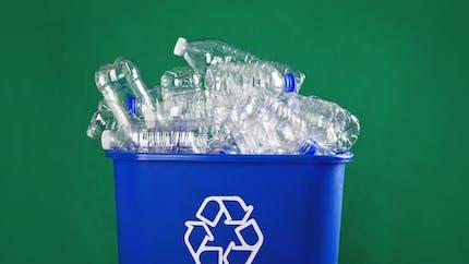 Recyclage du plastique : le gouvernement va lancer un bonus-malus en 2019