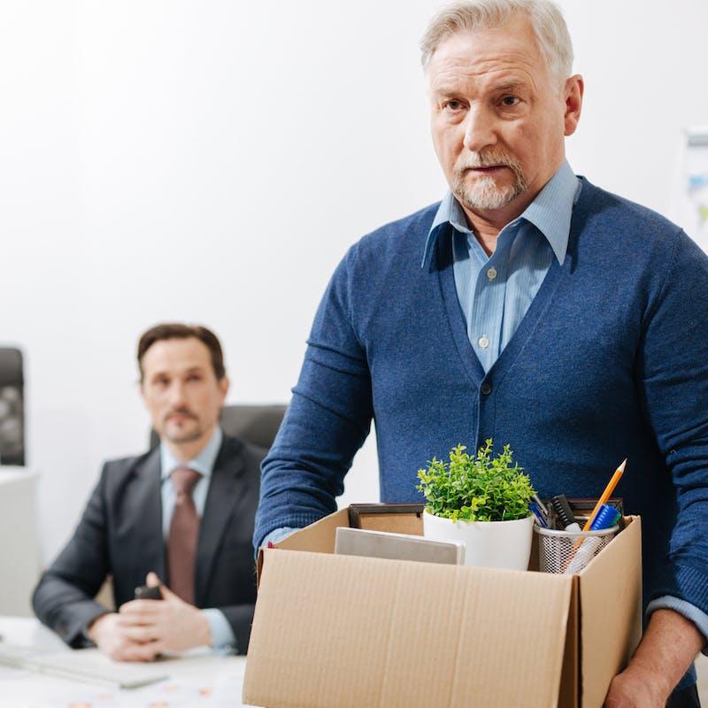 Contrat de travail : la clause couperet de mise à la retraite est interdite