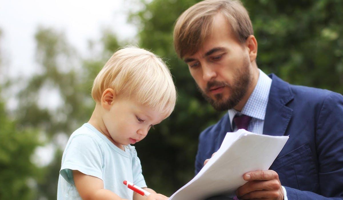 Lorsque la somme en jeu est de 1 500 euros ou plus, un contrat de prêt doit être signé entre le prêteur et l'emprunteur.