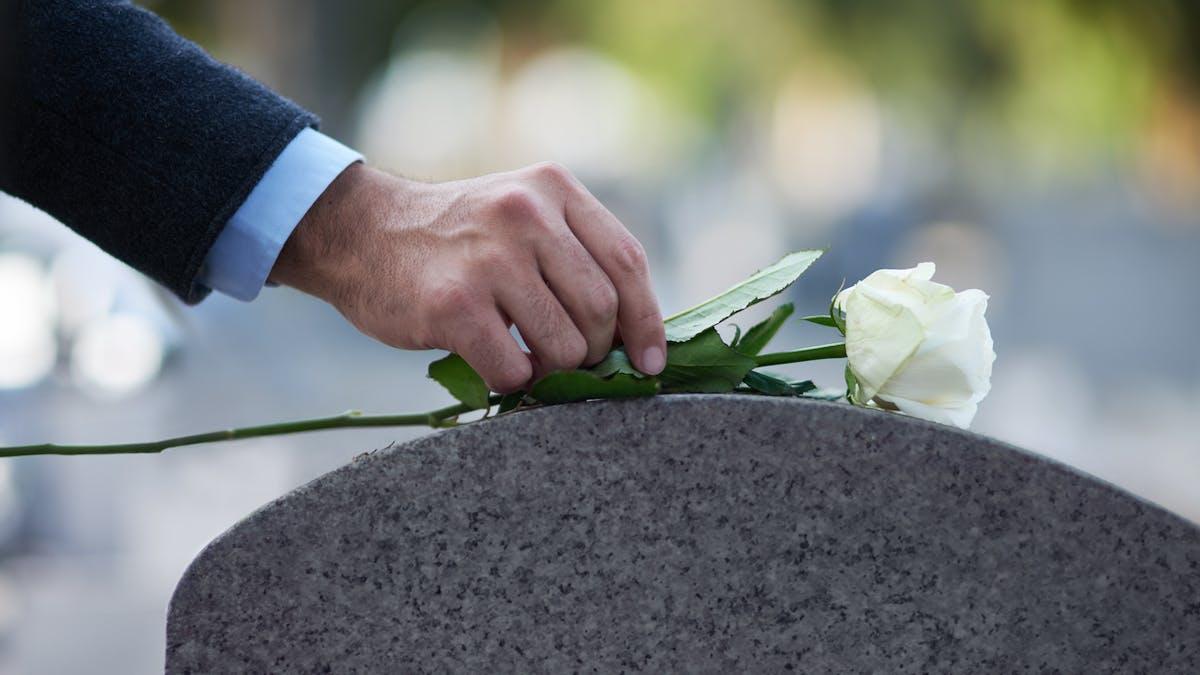 Une famille ne peut pas s'exonérer de régler les frais d'obsèques au motif que le devis de prestations funéraires ne comportent pas toutes les mentions obligatoires.