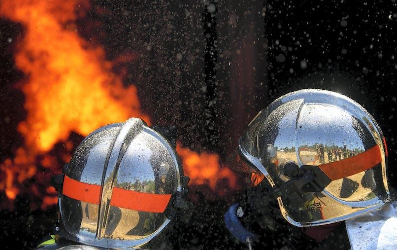 Le sapeur-pompier volontaire effectue six interventions par mois en moyenne.